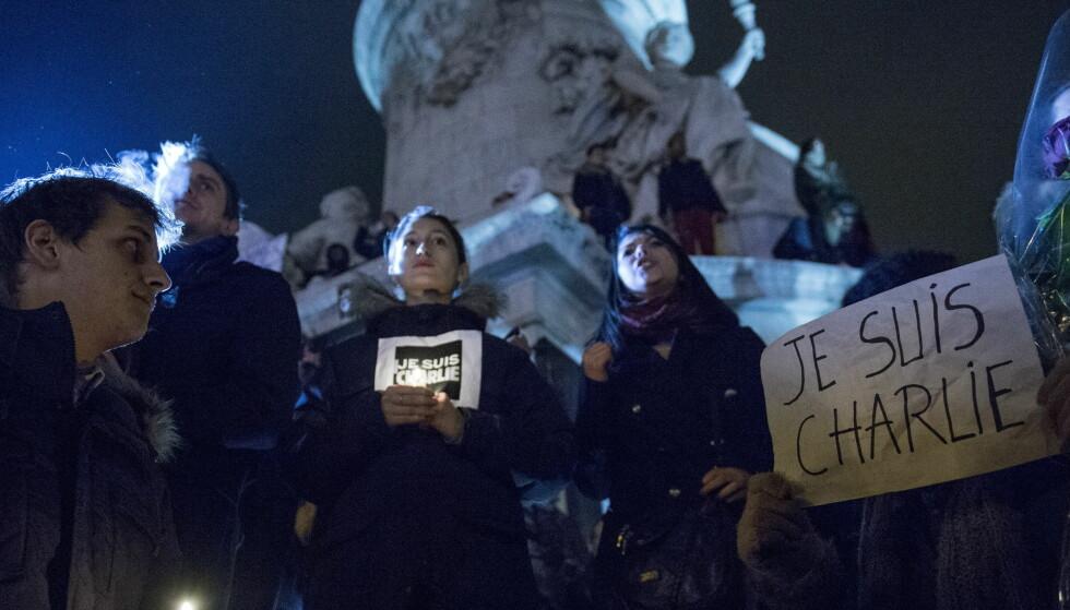 TERRORANGREP: I januar 2015 møtte tusenvis opp på Place de Republique i sentrum av Paris for å vise avsky mot terroraksjonen mot satiremagaisnet Charlie Hebdo.  Foto: Øistein Norum Monsen / DAGBLADET