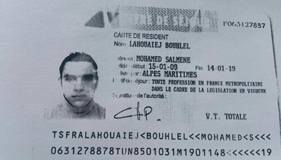 SOLOTERROR: Ved å begå terrorhandlinger lykkes soloterroristene endelig i å bli del av noe større, samtidig som de sørger for at navnet deres ikke blir glemt, skriver John Færseth. Bildet viser Nice-terroristen Mohamed Lahouaiej Bouhlels bevis på at han hadde oppholdstillatelse i Frankrike.  Foto: AFP / NTB Scanpix