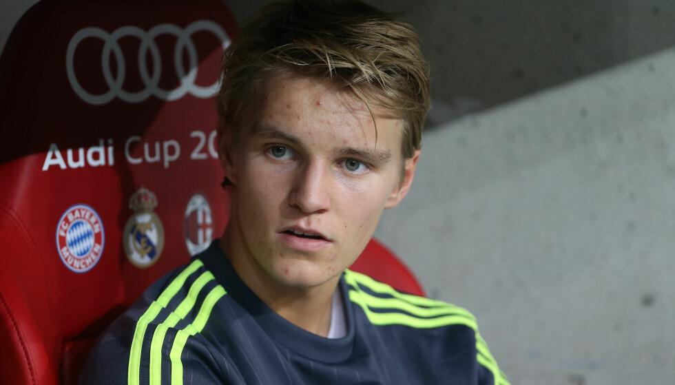 FRAVÆRENDE: Martin Ødegaard (17) fikk ikke være med da Real Madrid mandag tok sitt offisielle lagbilde for 2016/17-sesongen. Foto: David Klein/Sportimage/Cal Sport Media/NTB Scanpix