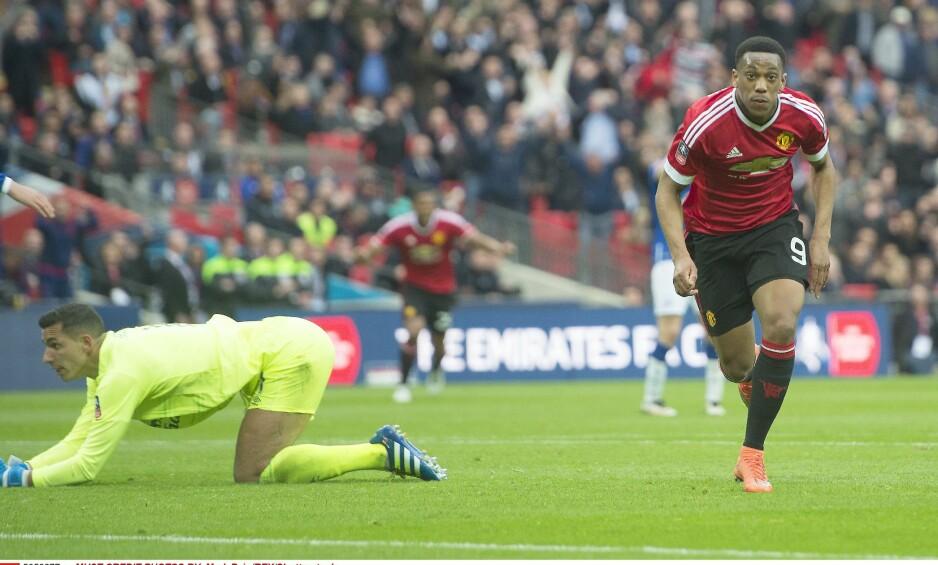 VINNER: Anthony Martial var med på å vinne FA-cupfinalen med Manchester United i år. Foto: NTB Scanpix