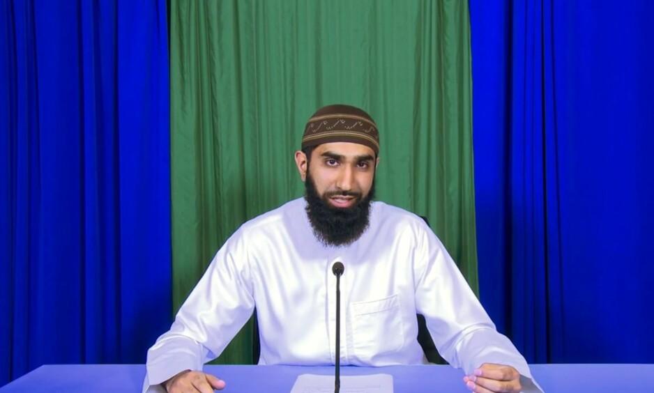 ERKLÆRER JIHAD: I en time lang video fra Islam Net på YouTube erklærer Fahad Qureshi jihad mot det han kaller «den internasjonale progressive sekten». Foto: Skjermdump, YouTube