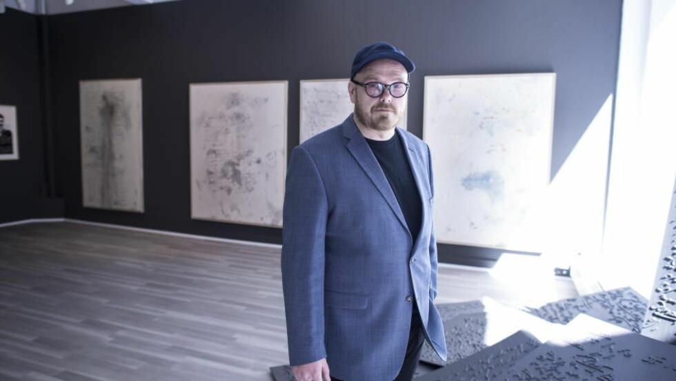 HAMSUN-UTSTILLING: Kunstner Thomas Kvam er klar med ny utstilling. Denne gangen med Knut Hamsun sin psykoanalyse som tema. Foto Hans Arne Vedlog   / Dagbladet