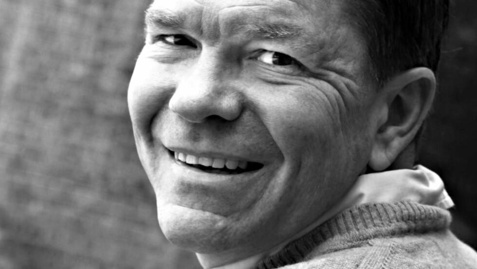 FOR MYE: Bjørn Olav Nordahl har jobbet i graveredaksjonen i Dagens Næringsliv i en årrekke, og kan svært mye om det han skriver om. Det er også en svakhet, mener anmelderen. Foto: GYLDENDAL