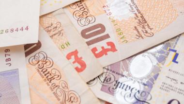 Brudeparet Ønsker Seg Penger