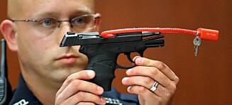 Prøver å selge pistolen han brukte til å drepe Trayvon Martin. Auksjonen stoppet etter tullebud