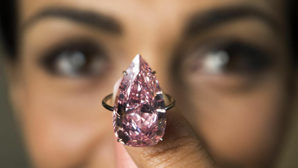 SOLGT: Diamanten gikk for 258 millioner kroner. Foto: Laurent Gillieron / Keystone via AP / NTB scanpix