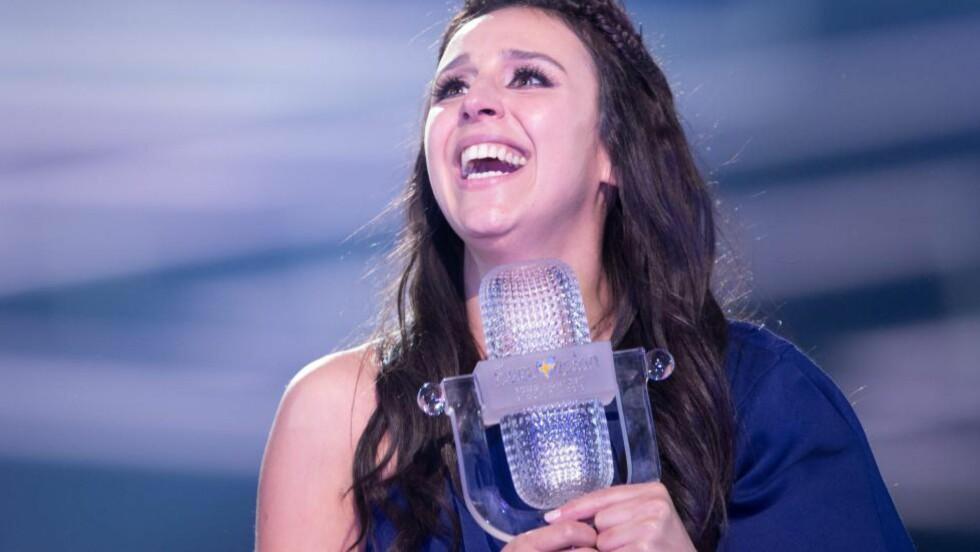 SEIERSDRAMA: Jamala fra Ukraina vant den store finalen i Eurovision Song Contest. Det er ikke alle like fornøyde med. Over 350 000 har skrevet under en kampanje som vil ha resultatene gransket på nytt. Foto: Rolf Klatt/REX/Shutterstock, NTB Scanpix