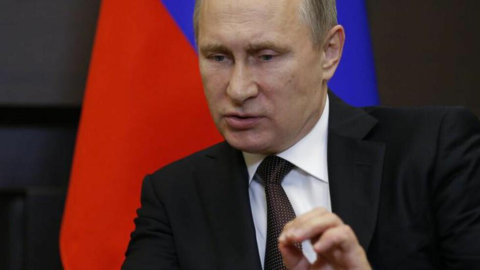 TRUSSEL FRA ØST: Russland har under president Vladimir Putin blitt et mer uforutsigbart land. Som svar har NATO styrket sitt kollektive forsvar, og styrker sitt nærvær i øst. Foto: Alexander Zemlianichen/EPA
