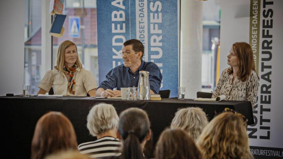 LITTERATURDEBATT: F.v. Ingunn Økland, Arne Borge og Roskva Koritzinsky deltok i debatten om engasjementet i litteraturen, på litteraturfestivalen på Lillehammer i dag. Foto: Jørn H Moen / Dagbladet