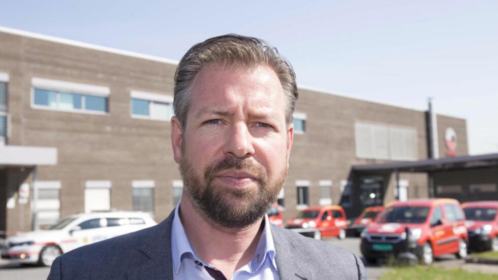 LETTET: Pressesjef John Eckhoff i Posten sier han og de ansatte på postterminalen er lettet over nyheten. Foto: Per Flåthe.