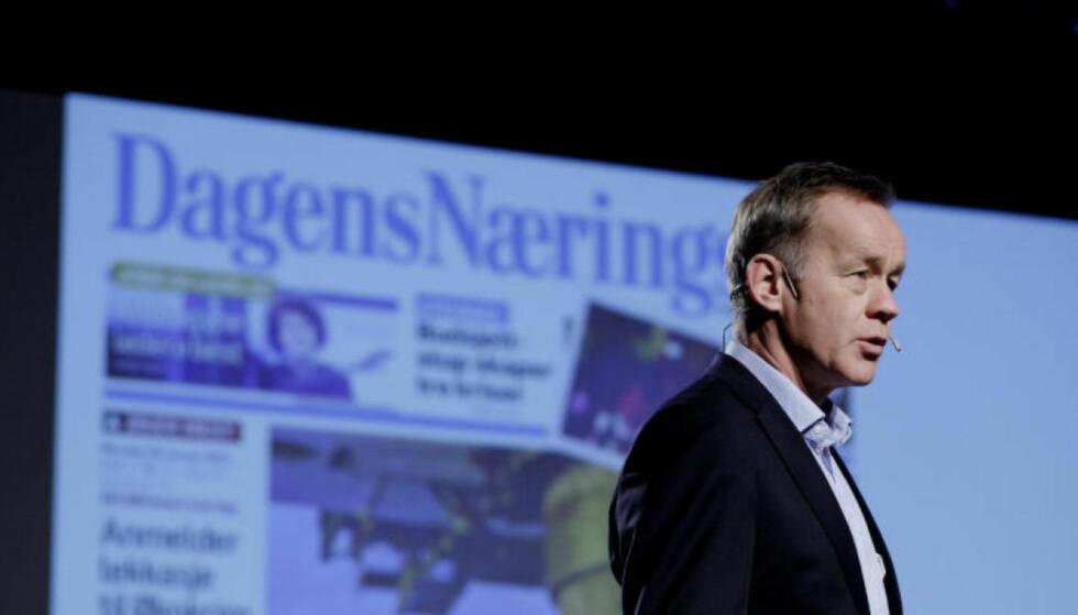 DET KUTTES: Eierselskapet til Dagens Næringsliv, NHST, skal bli lønnsomt. Det får konsekvenser for ansatte i Morgenbladet og DN. Avbildet er DNs sjefredaktør Amund Djuve. Foto: NTB Scanpix