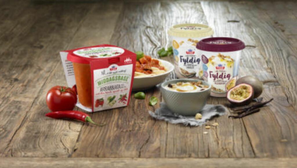 NYTT FRA TINE: Tine kommer også med middagsbaser, i tillegg til ekstra fyldige yoghurter - og mye spennende nytt fra ostedisken - blant annet Norvegia med smak. Foto: TINE