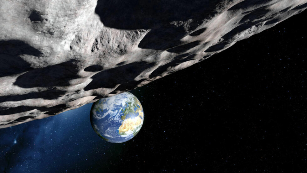 FRYKTET KOLLISJON: Dette er en kunstnerisk fremstillingen av asteroiden Apophis, som, hvis den traff jorden, være 65 000 ganger kraftigere enn atombomben som ble sluppet over Hiroshima. FOTO: NTB scanpix