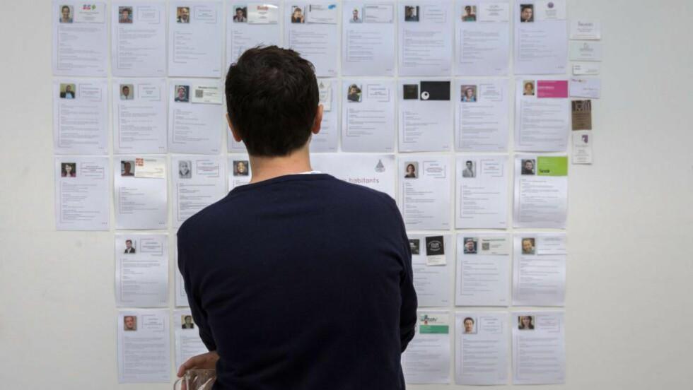- UTDATERT:  Trine Larsen, hodejeger, mener at cv-systemet er håpløst utdatert. Foto: AFP PHOTO / FLORIAN DAVID
