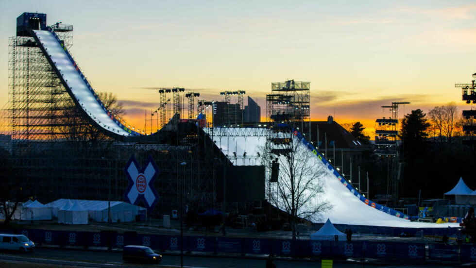 HER SKAL DET HOPPES: Alt har ikke akkurat gått for seg som det skal før X Games-starten. Her er big air-hoppet på Tøyen i Oslo. Foto: Vegard Wivestad Grøtt / NTB Scanpix