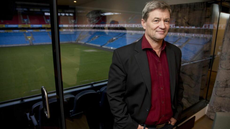 LANGER UT:  Ronny Aasland, direktør for strategi og forretningsutvikling i Norges Fotballforbund, har kommet med krass kritikk av flere kolleger. Foto: Sveinung U. Ystad, Dagbladet