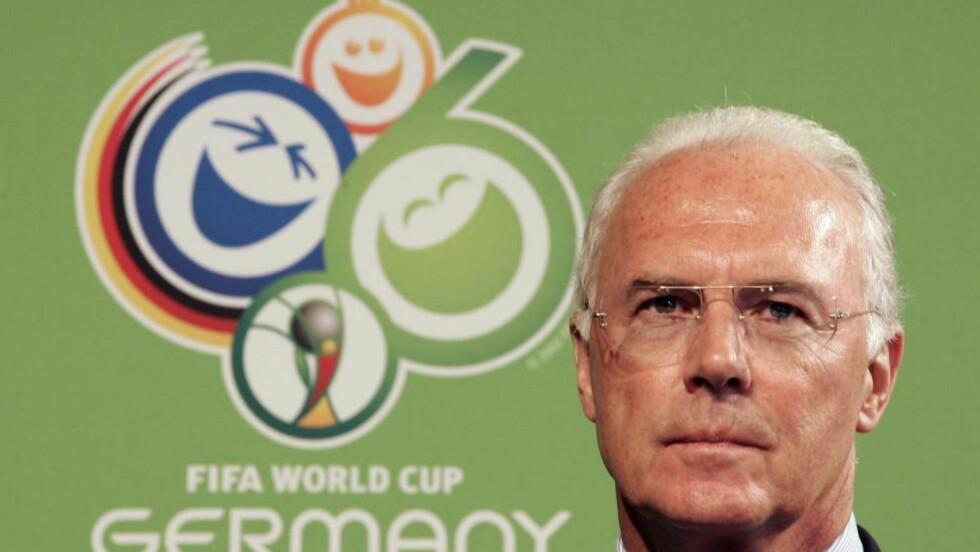 SKAL SVARE PÅ PÅSTANDER: Nå skal Det tyske fotballforbundet (DFB) være klar til å avsløre sannheten rundt tildelingen og svare på påstandene om korrupsjon, som ble avslørt i magasinet Spiegel i oktober i fjor. Bildet viser Franz Beckenbauer som var i organisasjonskomiteen. Foto: AFP/PASCAL PAVANI/NTB Scanpix