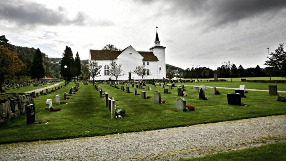 LANGT MER LIBERAL: Den norske kirke, her ved kirka i Lyngdal, er langt mer liberal enn Menigheten Samfundet.  Foto: Jacques Hvistendahl / Dagbladet
