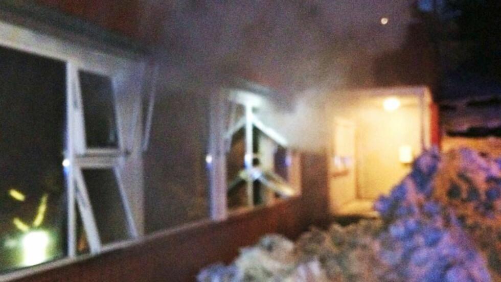 SLUKKET: Brannvesenet lyktes tirsdag morgen med å slukke en brann i sløydsalen ved Revetal ungdomsskole i Vestfold. Foto: Vestfold Interkommunale Brannvesen