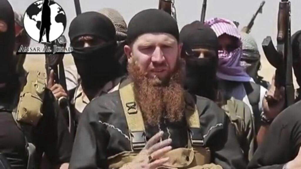 DREPT: Amerikanske myndigheter forsøker å få bekreftet at IS' militære leder, Abu Omar al-Shishani, ble drept under et angrep i forrige uke. Foto: AP Photo /militant social media account via AP video / NTB scanpix