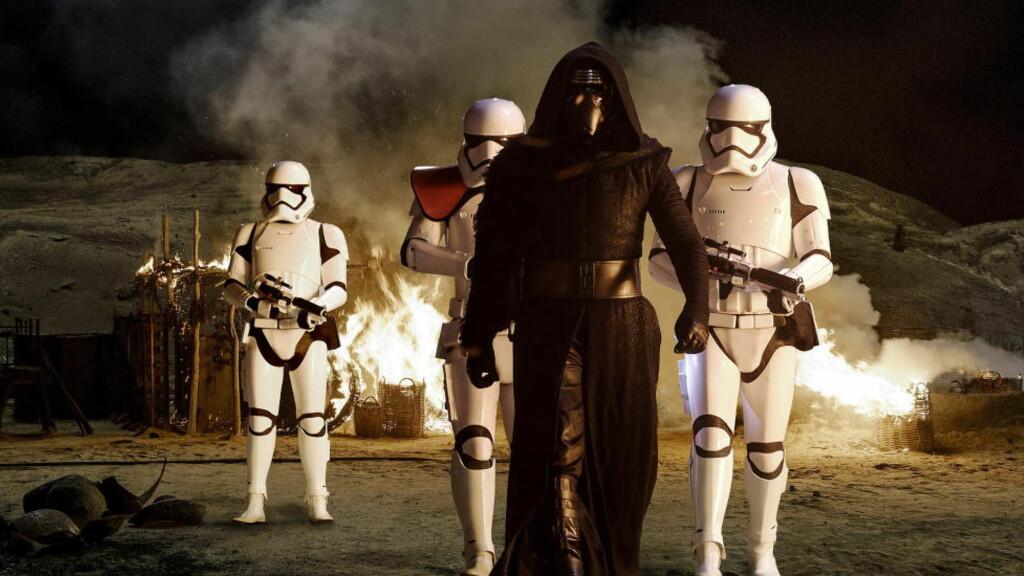 FÅR MILLION-STØTTE: Disney har fått skattelette fra Storbritannia på 376 millioner kroner for «Star Wars: Episode VII - The Force Awakens» - en film som forventes å spille inn 13 milliarder proner. Dtte blir det bråk av. Foto: NTB Scanpix