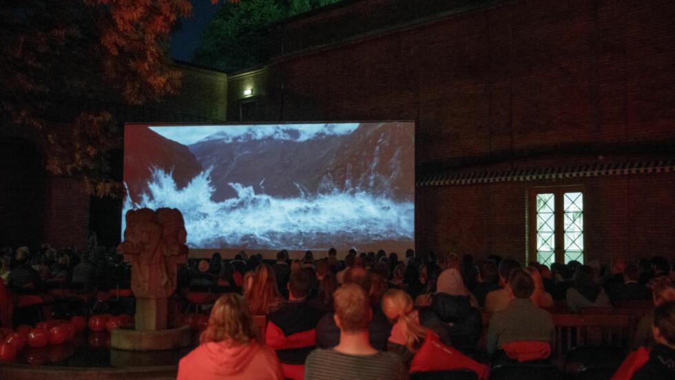 FIRE PRISER: «Bølgen» stakk torsdag av med hele fire Kanonpriser. Her fra premieren i friluft ved Vigeland-museet.  Foto: Berit Roald / NTB scanpix
