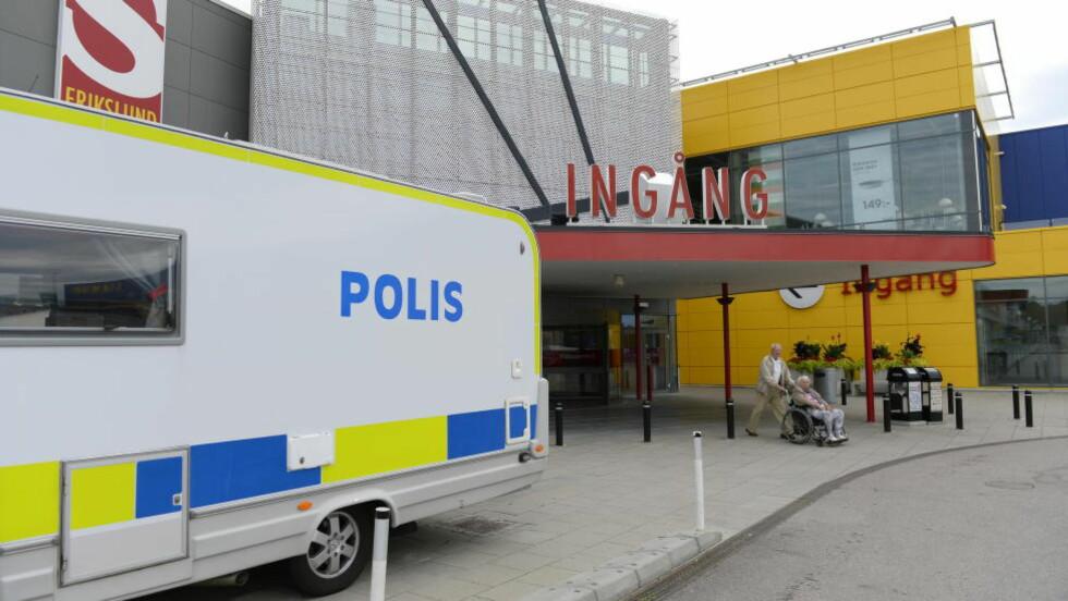 DOBBELTDRAP: En 36-åring ble 30. oktober dømt til livstid for å ha knivstukket og drept en 55 år gammel kvinne og hennes 28 år gamle sønn på IKEA i Västerås i august. Foto: Anders Wiklund / TT / NTB scanpix