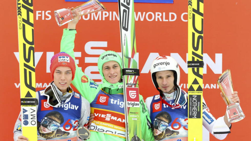 SUVEREN: Slovenias Peter Prevc vant i Planica foran Johann Andre Forfang (venstre) og landsmann Robert Kranjec. Foto: Primoz Lovric / NTB scanpix