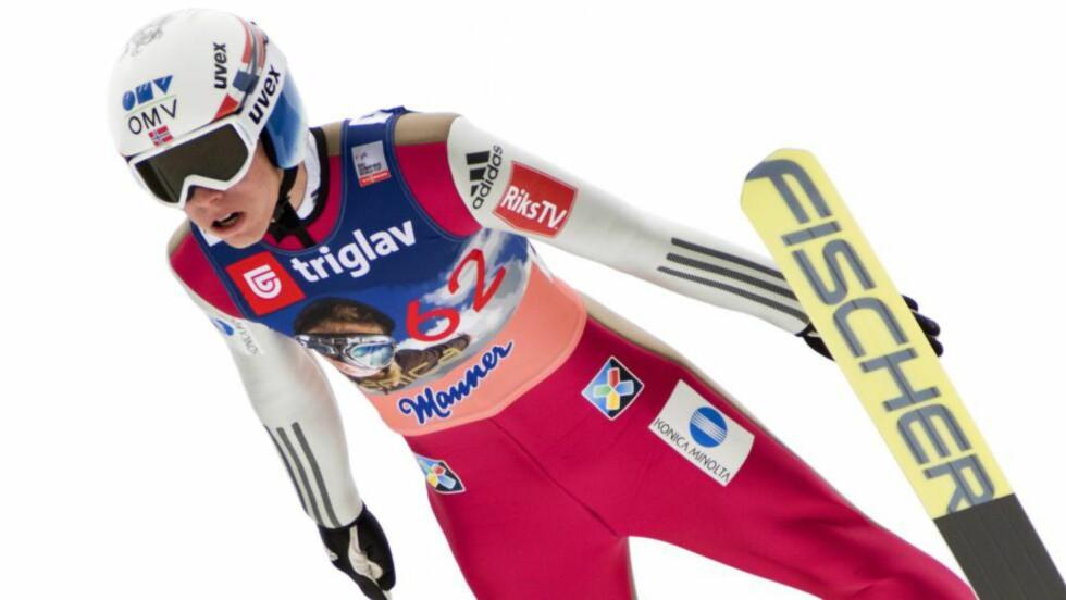 BESTE NORDMANN: Johann André Forfang er nummer to etter 1. omgang i Planica. Foto:  EPA/IGOR KUPLJENIK