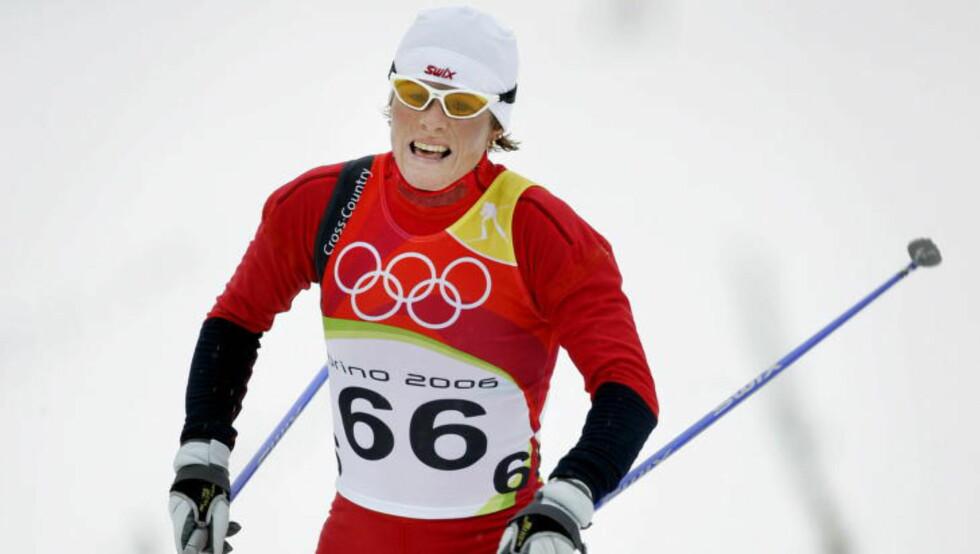 MARKEDSFØRER: Den tidligere norske toppskiløperen Hilde Gjermundshaug Pedersen er blant dem som reklamerer for VitaePro i Norge. Her er hun under Torino-OL i 2006 hvor hun tok bronse i langrenn 10 km kvinner. Foto: Hans A Vedlog / Dagbladet