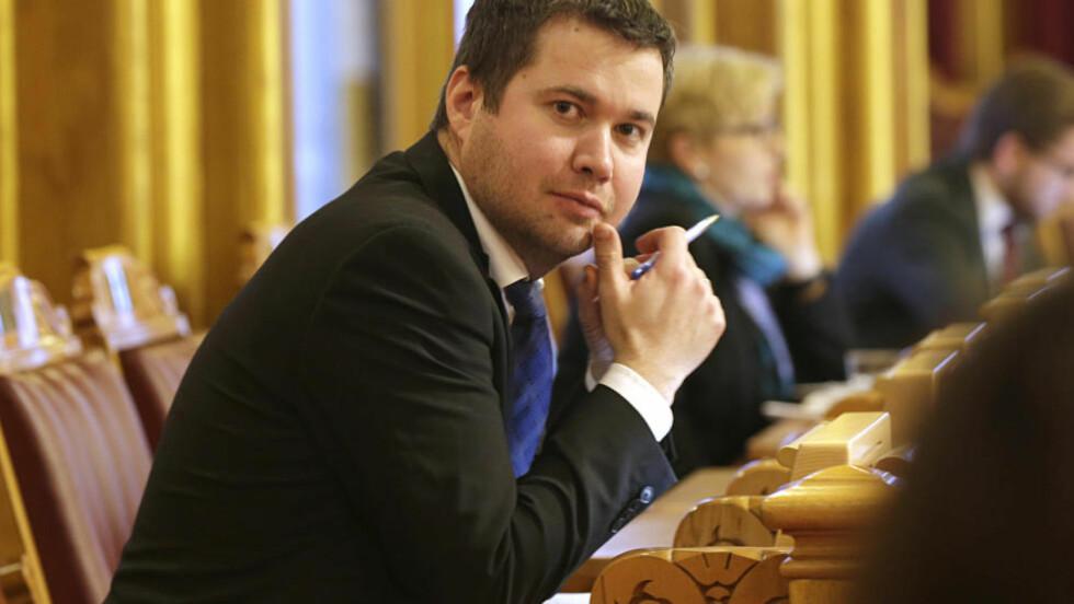 - ALT PÅ BORDET:  Næringskomiteens leder Geir Pollestad (Sp) kommer med forslag til 0-grense og utvidet liste i 12. time foran tirsdagens behandling i Stortinget. Foto: Vidar Ruud, NTB Scanpix.