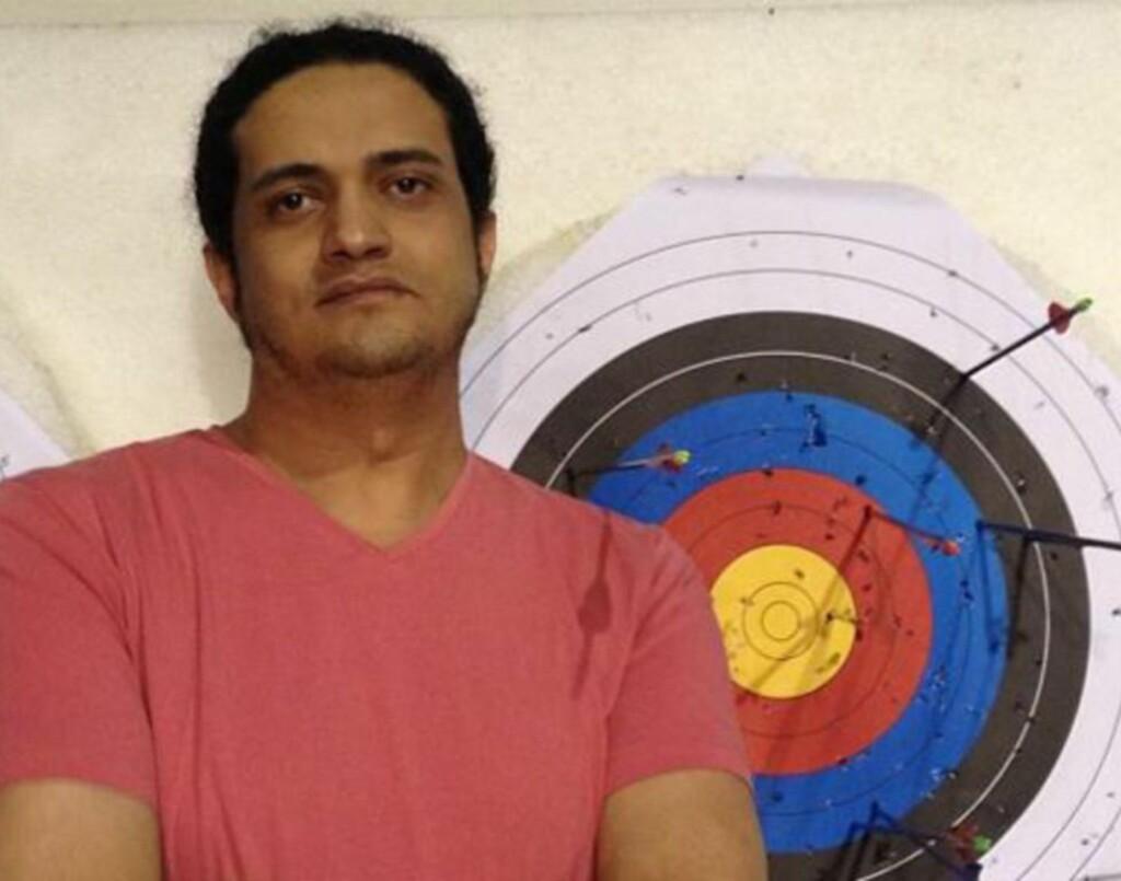 FÅTT DØDSDOM:  35-årige Ashraf Fayadh er palestinsk flyktning, født og vokst opp i Saudi Arabia. Nå er han dømt til døden for å ha forlatt islam av vestens allierte: Saudi Arabia. Fayadh ser sjøl på seg som en muslim, og arabiske intellektuelle krever nå å få den palestinske poeten løslatt. Foto: Ashraf Fayadhs instagram