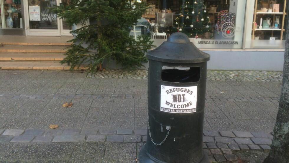 NOT WELCOME:  Flere slike plakater er heng opp i byer på Sørlandet. Foto: Fredrik Lydersen