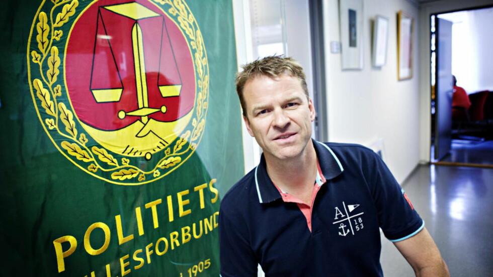 VÅPEN:  Politiets Fellesforbund og forbundsleder Sigve Bolstad krever nå at politiet blir permanent bevæpnet.  Foto: Nina Hansen / Dagbladet