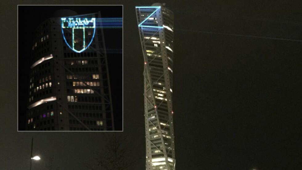 SETTER ZLATAN HØYT: Zlatan Ibrahimovic ble hyllet på denne måten på skandinavias høyeste bygning i går. Noen timer seinere ble Z-en byttet ut med Malmö FFs klubblogo. Foto: REUTERS / Photo STR / TT / NTB Scanpix og MFF / Handout / NTB Scanpix