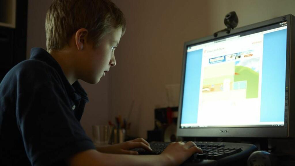 PÅ NETT: Barn frykter nyheter mer enn porno på nettet. ILLUSTRASJONSFOTO: Kerstin Mertens / Samfoto