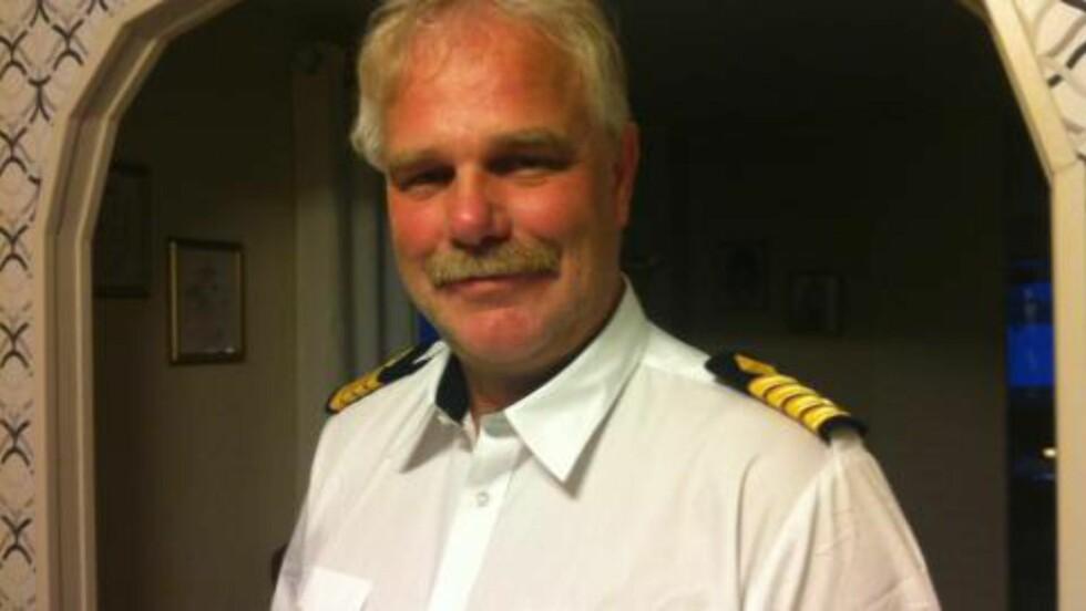 <strong> STIKKER TIL SJØS:</strong>  Kaptein Arne Nikolaisen kommer med julekalender-forslag til hvordan hjemveien kan fikses. Foto: Privat.