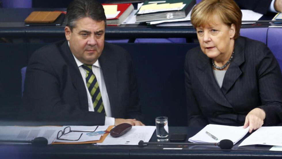 ADVARER: Tysklands nærings- og energiminister og forbundskansler Angela Merkels stedfortreder, Sigmar Gabriel, advarer mot Saudi-Arabias finansiering av moskeer i Europa. Foto: REUTERS/Hannibal Hanschke/NTB scanpix