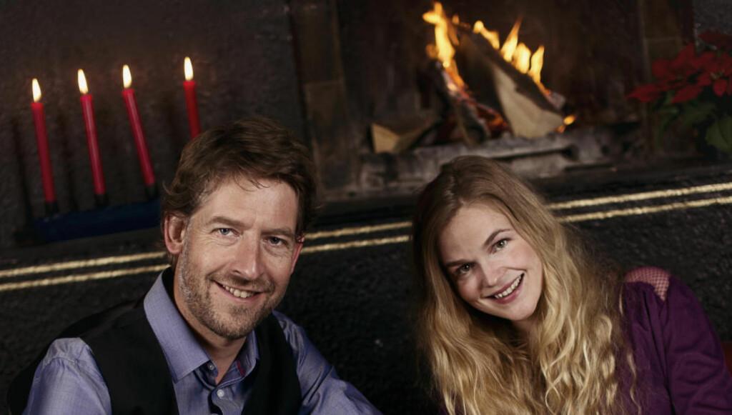 TURNÉ: Aasmund Nordstoga og Gunnhild Sundli har reist på juleturné sammen i tre år. Nå er det blitt plate av det også. Foto: Martine Eilertsen