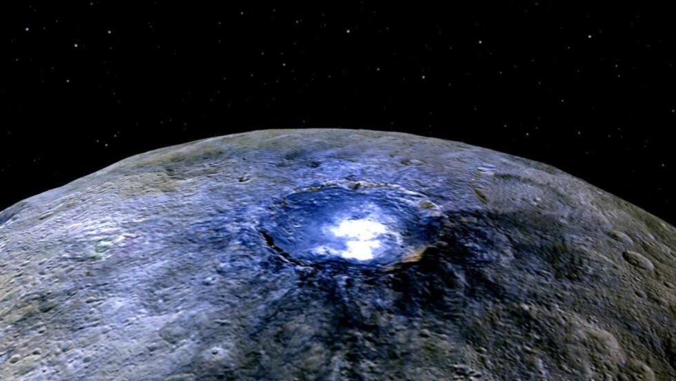 - VET HVA DET ER: I siste nummer av tidsskriftet Nature hevder en gruppe forskere at høyst sannsynlig har funnet svaret på hva de lyse flekkene på Ceres er. Foto: NASA