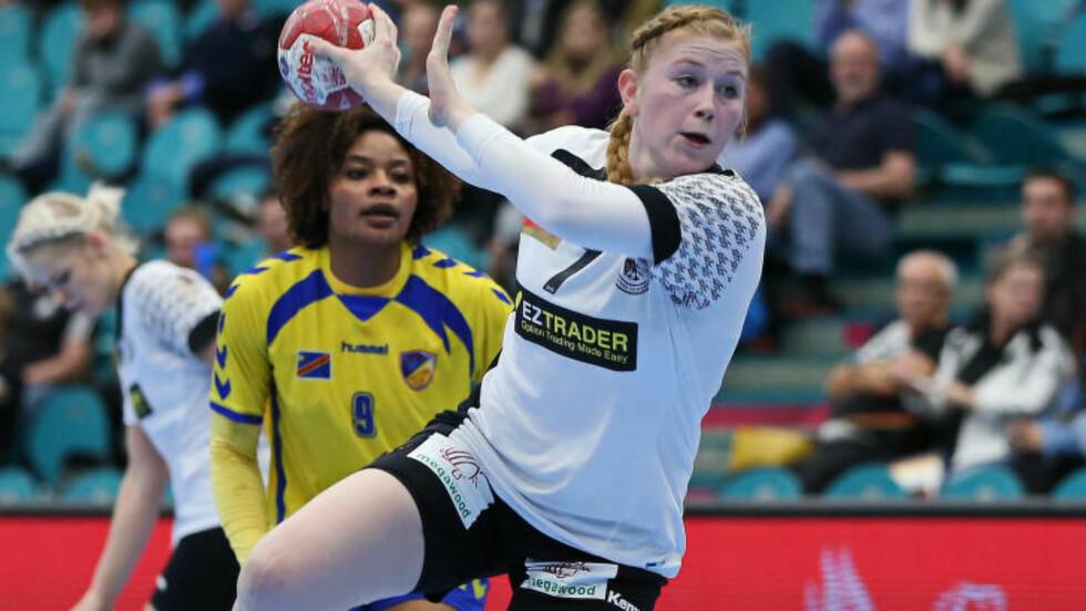 LITE HÅP:Tyske Meike Schmelzer forteller at hun mener laget ikke er sjanseløse i en åttedelsfinale mot Norge. Foto: Ingrid Anderson-Jensen/dpa