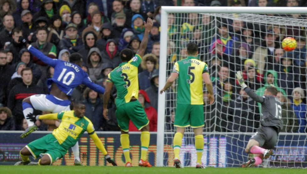 SCORET OG BOMMET: Romelu Lukaku kunne scoret fire mål mot Norwich med bedre uttelling. Foto: Scanpix