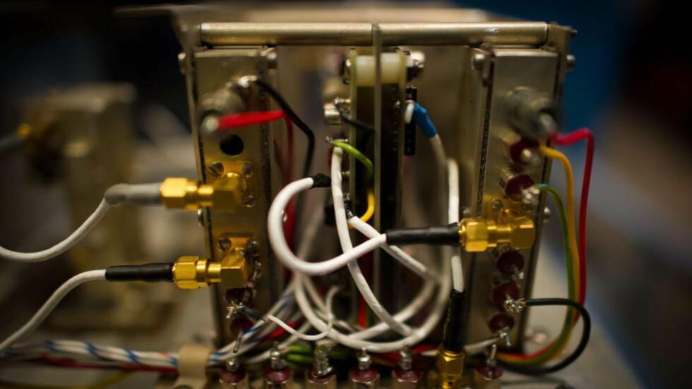 ATOMKLOKKE:  Materialet kan brukes til å lage små atomklokker. Foto: Mladen Antonov / AFP