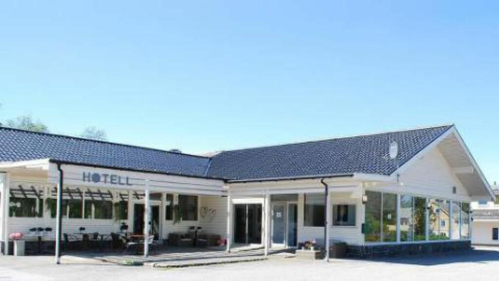 FØR BRANNEN: Her er Hotel Lune Huler, slik det så ut før brannen. Foto: Privat