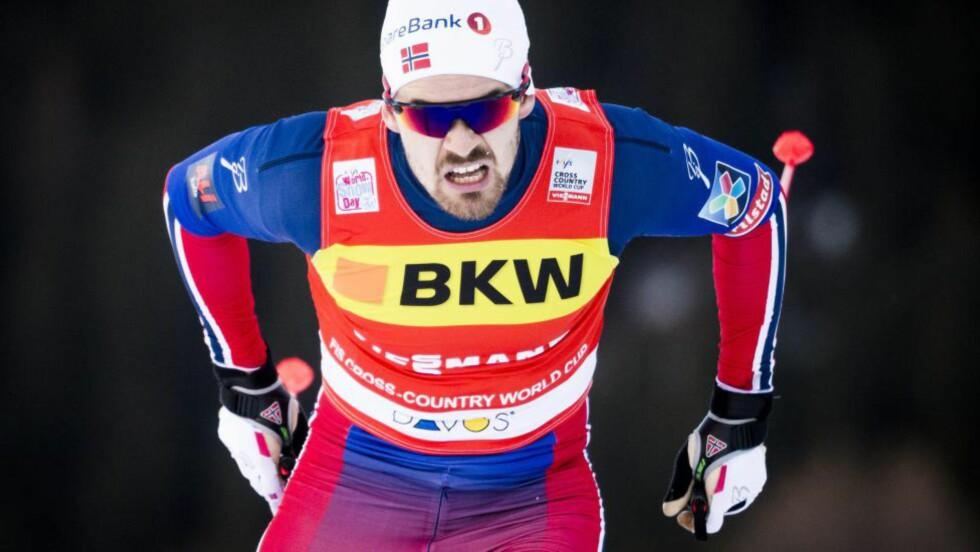 KAN VINNE: Sondre Turvoll Fossli er toer i sprint-cupen så langt i vinter. Han kan vinne løp i Tour de Ski, men gjør han det, kan han samtidig svekke Martin Johnsrud Sundbys sammenlagtsjanser i Tour'en. Foto: EPA / NTB Scanpix