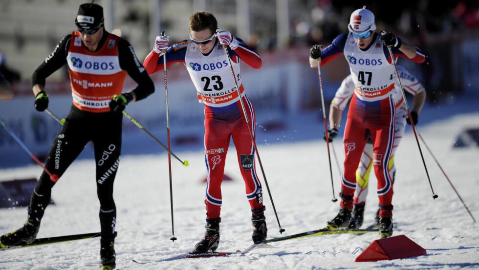 SLITER MED MAGEN: Akutt magetrøbbel gjør at Simen Andreas Sveen (i midten) kan miste Tour de Ski, melder NRK. Foto: Jon Olav Nesvold / NTB Scanpix