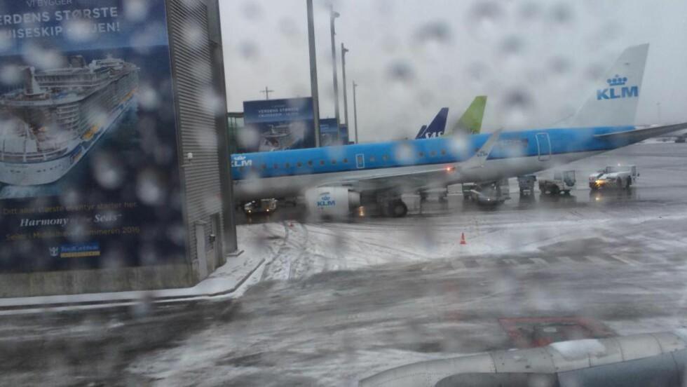 DÅRLIG VÆR: Vintersesongen er utfordrende på Gardermoen. Torsdag morgen er det store forsinkelser i lufttrafikken. Foto: Ådne Husby Sandnes
