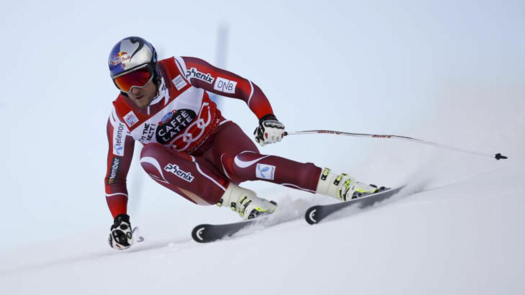 LEDER: Aksel Lund Svindal leder super-G-rennet i Val Gardena. Foto: NTB Scanpix