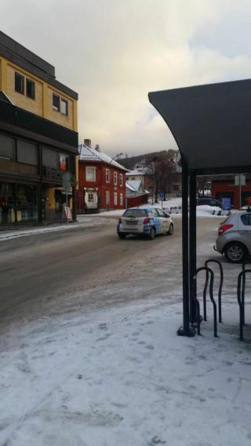 JULESTEMNING: P-bøter og litt snø i Lillehammer. Foto: Hampus Söderström