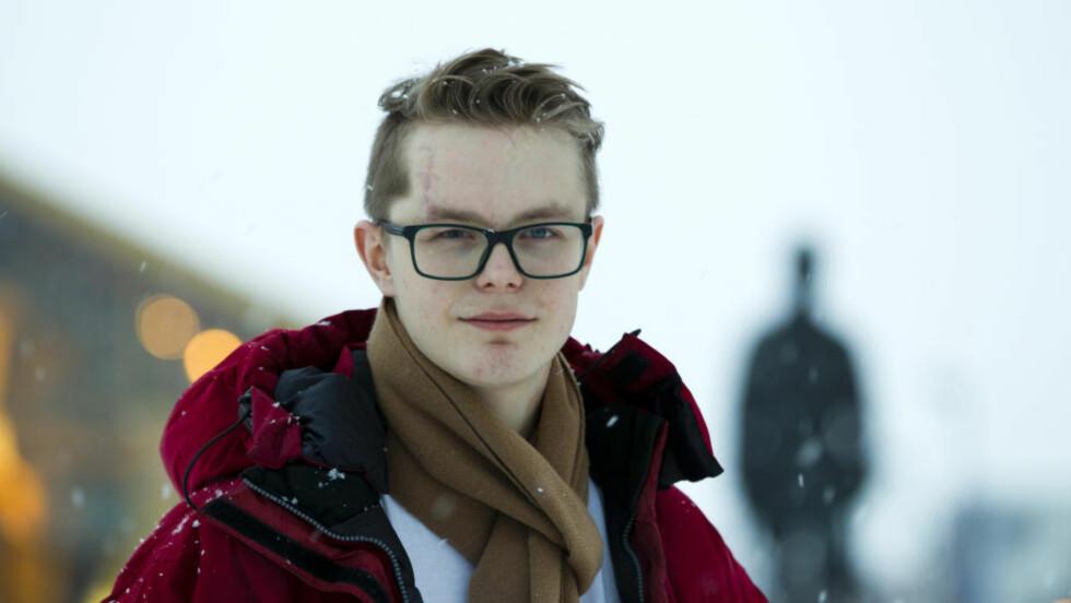 BER FOLK VENTE:  Viljar Hanssen var blant ungdommene som ble skadet på Utøya 22. juli. Han ber folk vente med å sende opp fyrverkeri fram til nyttårsaften. Bildet er fra 2012.   Foto: Berit Roald / Scanpix